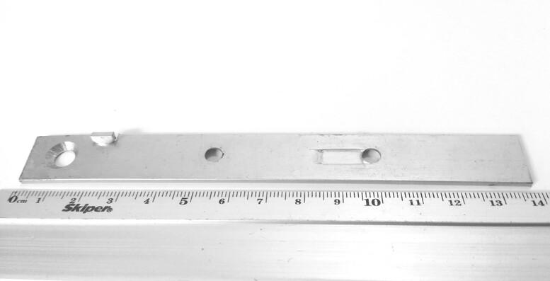 Пластина для террасной доски со стопором для зазора (змейка) 16x140x2,0мм, PTD140S