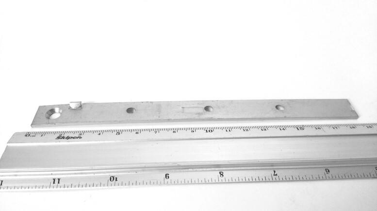Пластина для террасной доски со стопором для зазора (змейка) 16x185x2,0мм, PTD185S